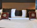 Super-Deluxe-Bed